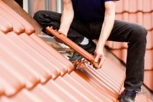 Synthetic-Shingles-Installation-Fire-Resistant-Impact-Resistant
