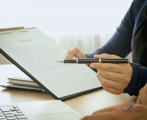 Staff recommended the benefits of insurance coverage and invite customers to sign a contract.